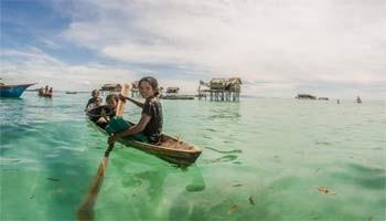 Οι τσιγγάνοι της θάλασσας που ζουν στο δικό τους παράδεισο
