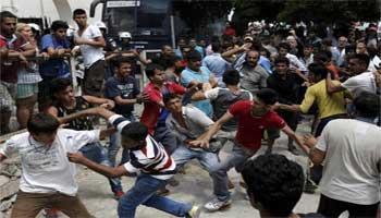 Πρόσφυγες προς Διοικητή hotspot «θα σε κάνουμε και εσένα κομμάτια»